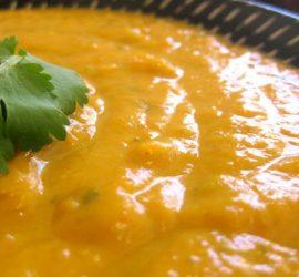 cremosa-sopa-calabaza-coco